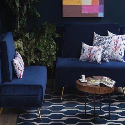 mueble de color azul